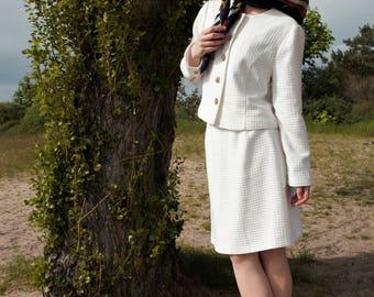 True vintage 80s costume jacket skirt Blazer 38 white gold business preppy classic Lady Jackie Kennedy Chanel Cardigan suit 50s