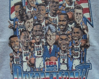 Vintage 90's Dream Team USA II//Size M//Tshirt//Men's Olympic 1996 Champions Basketball