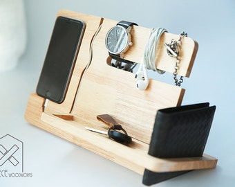 Universal iPhone 7, 6, 6s, 5, 5s, 5se Wooden Docking, iPhone Wood Stand, Tech Organizer, Gift for Dad, Gift for Him, Christmas Gift for Men