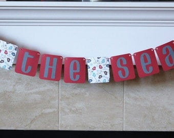 Tis The Season Holiday Hanging Banner / Red, Gray, Blue, Mittens / Mantle Decor / Christmas / Holidays / Party Decorations