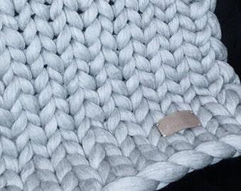Bedloper chunky knitted Merino Wool/chunky knit bedrunner Merino wool