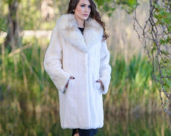 Fur white mink coat! Latest fur fashion trends at FurBrand!