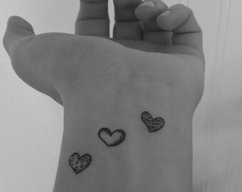 Hearts / 12 temporary tattoos / tattoos / tattoo fake / black / love / fingers / Valentine