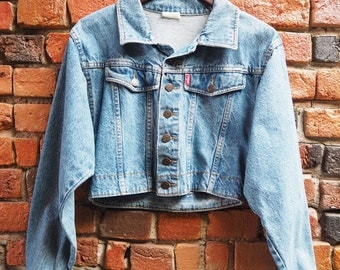 Women's 90s Cobra Light Blue Denim Cropped Jacket Size Small