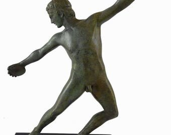 Discobolus statue ancient Greek bronze Discus thrower reproduction Great sculpture