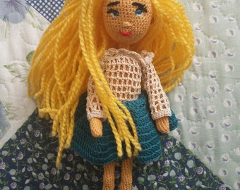 Knitted Blondy