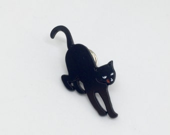 Black cat enamel / lapel pin