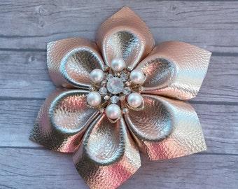 Gold flower hairclip