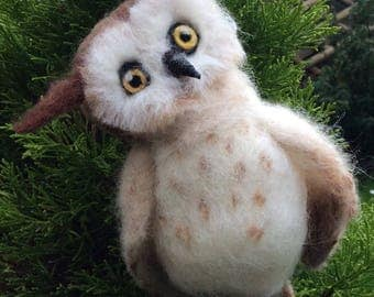 Baby barn owl - needle felted sculpture