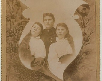 Twins long hair Victorian cabinet card girls dress scroll identical photo vintage antique