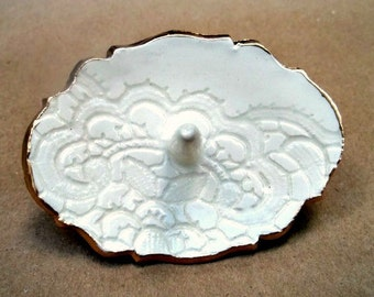 Ceramic OFF WHITE Lace Ring Holder edged in gold