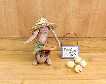 Primitive Easter Rabbit Art Doll Spring Decoration Holiday Ornament