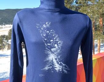 vintage 70s turtleneck SKI print mountains preppy navy blue skiing long sleeve t-shirt Medium Small 1977