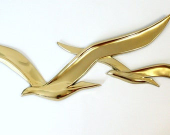 Extra Large Mid Century Bird Wall Hanging with Metallic Gold Finish by Syroco 1968