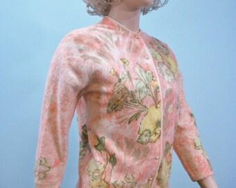 Darlene Cardigan Sweater . 50s 60s Peach Hand Screen Print Cardi . Size 40