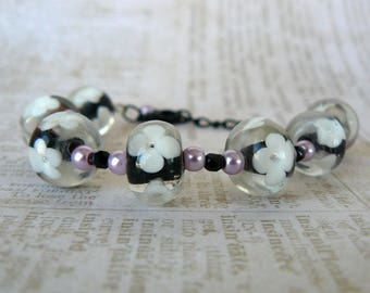 Black and Mauve Bracelet, Black and White Flower Beads, Lampwork Glass Bead and Pearl Jewelry, Romantic Floral Jewelry, Gift For Her