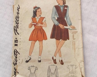 1940s Vintage Girl's Jumper and Blouse Pattern Simplicity 1071 28 Bust Size 10