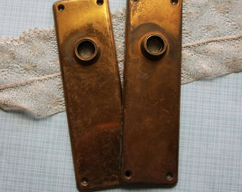 Vintage Matching ESCUTCHEON Back Plates-Ornate DOOR Hardware- Salvaged Door Knob Plate- Back Plate Pair Architectural Salvage