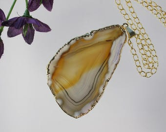 Brown Agate Pendant, Agate Necklace, Crystal Agate Slice, Agate Slice, Gold Plated Agate, APS218
