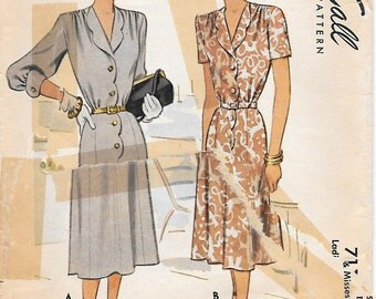 McCall 7114 1940s Scalloped Front Dress Vintage Sewing Pattern Bust 32 Three Quarter Sleeve