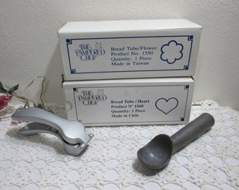 Bread Tubes or Cake Molds, Ice Cream Scoop, and a Garlic Press Set of 4 Pampered Chef