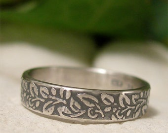 Silver Leaf Ring, Sterling Silver Ring Band, Woodland Ring, Vine Leaf Pattern Textured Ring, Artisan 4mm Ring, Antique Style Nature Jewelry