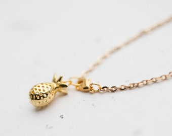 Gold Pineapple Bracelet Modern Minimalist chain charm friendship bracelet summer tropical jewelry minimal chic
