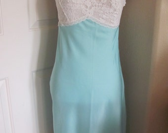 Saks Fifth Avenue Vintage Blue Silky Lace Lingerie Boudior Pajama Nightgown Slip - Size Small 34