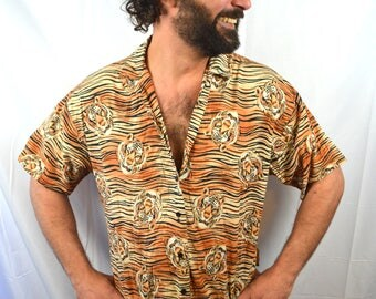 Rad Vintage 80s Tiger Button Up WOW Shirt