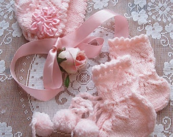 Baby Hat and Booties, Knitted Set, Newborn to 3 months, Pink, Vintage, Doll Clothes, Shower Gift