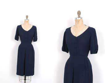 Vintage 1940s Dress / 40s Rayon Crepe Dress with Floral Appliques / Navy Blue ( medium M )