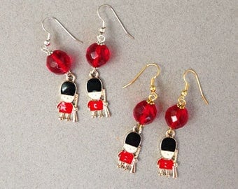Queen's Guard Earrings Red Black London