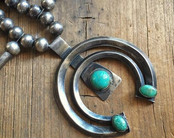 1930s to 1950s 72gm turquoise silver squash blossom necklace, Southwestern Old Pawn, Native American squashblossom, Indian jewelry