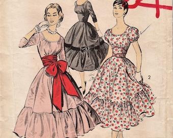 Vintage 1950s Audrey Hepburn Sewing Pattern / Advance 8123 / Dress / Size 16 Bust 36