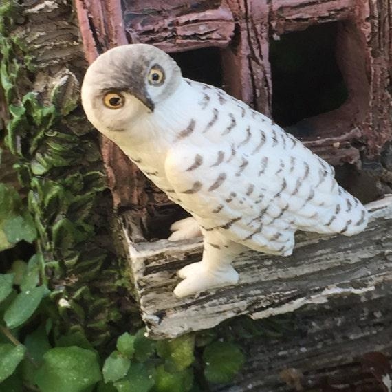 Miniature White Owl Figurine, Dollhouse Miniature, 1:12 Scale, Dollhouse Accessory, Miniature Garden Decor, Topper, Crafts, Gift, Mini Bird