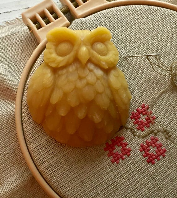Bees Wax, Hoot Hoot Waxer, Hand Poured Decorative Owl Thread Embroidery Floss Waxer, Sewing, Quilting, Needle Art, 100% Pure Bees Wax