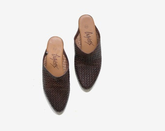 Vintage Leather Slides 5.5 / Brown Leather Slip Ons / Leather Mules