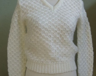 "Vintage 70's French Toast Cream Long Sleeved Pointelle Knit Pullover Sweater Bust 33"" Waist 27"""