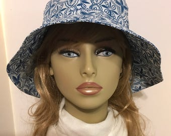 Womens Sun Hat, Garden Hat, Beach Hat, in royal and white pribt
