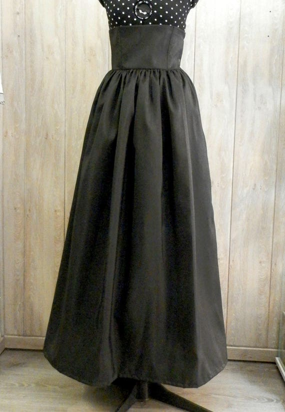 Elegant Taffeta Long Skirt