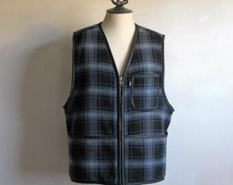 Vintage 80s Levis Plaid Mens Top Levi Strauss Black Blue Plaid Outdoors Wool Sherpa Vest
