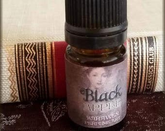 BLACK APPLE Perfume Oil / Gothic Perfume / Dark Apple Perfume / Vegan perfume oil