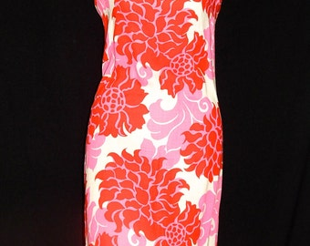 Beautiful vintage 60's white red pink large flowers dress tiki Hawaiian bombshell sleeveless mod abstract psyche exotic - S / M