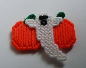 Plastic Canvas Ghost & Pumpkins Magnet   1189  /  Free Shipping in US