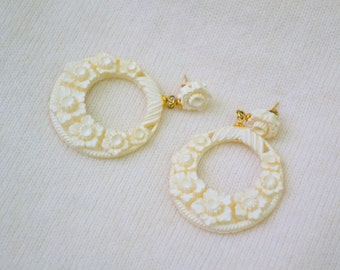 1960s Cream Resin Floral Post Back Hoop Earrings