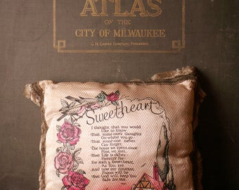 Vintage Sweetheart Pink Souvenir Pillow with Gold Trim - Wisconsin Dells - Great Wedding or Anniversary Gift