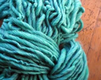 Big Yarn, Handspun, Super Bulky, Thick n Thin, Green, Turquoise Green, Sea Green, Hand Dyed, Wool, Knitting, Crochet Supplies, Yospun