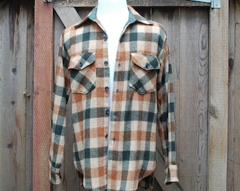 Vtg Mens Medium Woolrich Plaid Wool Long Sleeve Button Down Shirt Sweater Hipster Hunting Field Coat Warm Rugged Outdoor Mountaineering Moto