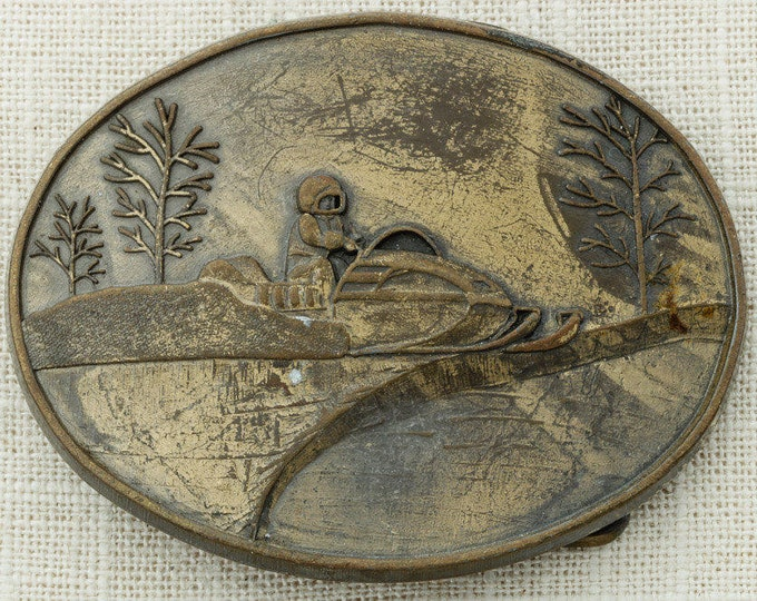 Snowmobile Belt Buckle Snowmobiler Snow Mobile Winter Sports Vintage Belt Buckle 16A