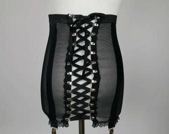 Roxy garter skirt with removable clips
